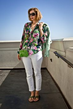 Floral Blouse with White Jeans | For more style inspiration visit 40plusstyle.com
