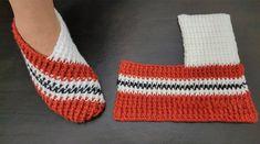 Crochet Shoes Pattern, Crochet Stitches Patterns, Crochet Designs, Free Crochet Slipper Patterns, Easy Crochet Slippers, Crochet Boots, Knitting Socks, Baby Knitting, Crochet Simple