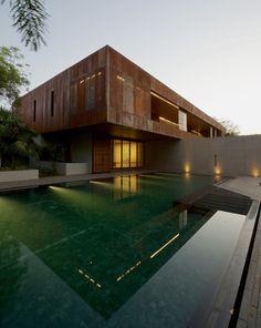 Galeria de Casa DIYA / SPASM Design Architects - 3
