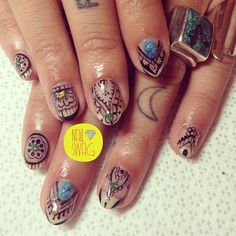 Henna nails.....gotta do these! ;)