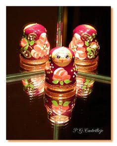 Matriosca o muñeca rusa, madera pintado amano