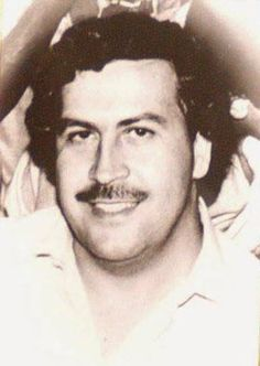 Pablo Emilio Escobar, Pablo Escobar, Narcos Escobar, Narcos Pablo, Mafia Gangster, Al Capone, The Godfather, Say Hi, My Dad