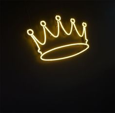 crown, neon, and light afbeelding