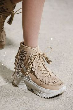 ac7dec9f08bcb 51 Shoes 2019 For College. Runway ShoesShoe ...