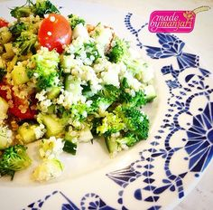 Going grain less today with this light quinoa salad with broccoli, cucumber, pear and tomato... Dressed with lemon and pistachio oil and simply spiced with dill, mint, salt and pepper #madebymanjari #wholefoods #realfood #tasty #yummy #yvr #instafood #instagood #organic #food #fresh #foodie #feedfeed #foodphotography #goveg #grainless #healthy #herbivore #holisticnutrition #cleaneats #chefsofinstagram #nutrition #vegan #vancity #vancouver #vegetarian #veganfoodshare #veganvancouver