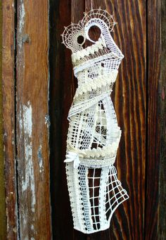 """Photo from album """"Вологодское +++"""" on Yandex. Lace Heart, Lace Jewelry, Lace Making, Bobbin Lace, Lace Detail, Nativity, Dream Catcher, Butterfly, Christmas"""