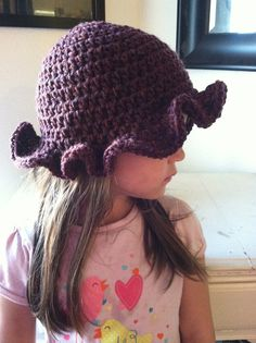 A Military Wife's Tale: Easy Ruffle Hat