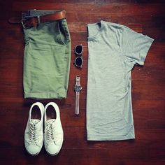 Shorts are modern piece of menswear that should be included in every man's wardrobe. Here is your men's short style inspiration guide - weekend style ideas. Casual Wear, Casual Outfits, Men Casual, Fashion Outfits, Summer Tomboy Outfits, Men's Outfits, Outfit Summer, Style Masculin, Look Man