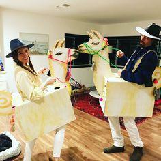 Image may contain: 2 people Llama Halloween Costume, Llama Costume, Halloween Kostüm, Group Halloween, Awesome Halloween Costumes, Family Costumes, Group Costumes, Diy Costumes, Cosplay Costumes