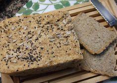Pan integral con semillas de girasol y de sésamo blanco y negro