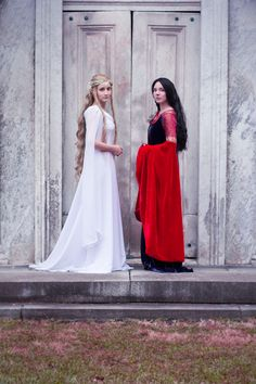 Galadriel and Arwen cosplays