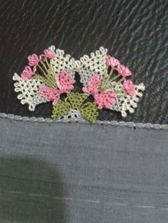 This Pin was discovered by Lal Lace Art, Needle Lace, Lace Making, Tatting, Knots, Needlework, Diy And Crafts, Quilts, How To Make