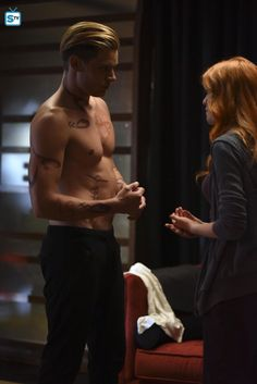How did Kat do it when she got Dom shirtless in front of her