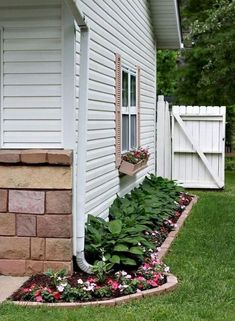 Beautiful Small Front Yard Landscaping Ideas (4)