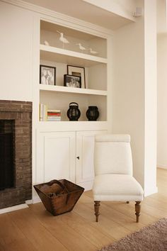 S family rm - bookcase,fireplace. desire to inspire - desiretoinspire.net - Flamant