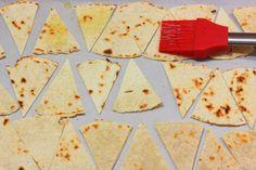 harina de maíz- pintar- horno- nachos Nacho Taco, Nacho Chips, Easy Homemade Recipes, Great Recipes, Healthy Recipes, Salty Snacks, Tex Mex, Fajitas, Finger Foods