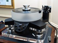 I'll kick off with the 47 LaboratoryKoma turntable and Tsurube tonearm. The deck features contra-rotating platters and the armis, well, mad (says the owner of a Dynavector)!