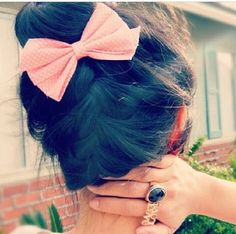I'm loving the bun And the hair color, so natural!