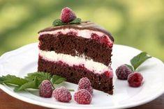 Čokoládová smotanovo - malinová torta Cake Recipes, Dessert Recipes, Eclairs, Food Hacks, Chocolate Cake, Cheesecake, Food And Drink, Cooking Recipes, Sweets