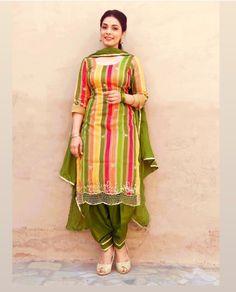 Party Wear Indian Dresses, Designer Party Wear Dresses, Indian Fashion Dresses, Dress Indian Style, Patiala Suit Designs, Kurta Designs Women, Kurti Designs Party Wear, Punjabi Suits Designer Boutique, Indian Designer Suits