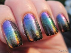 Nail Art: How I made the multichrome gradient