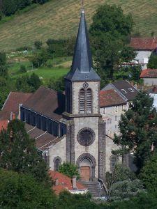 Arfeuilles : église Saint Germain (XIXe siècle). village situé entre Vichy et Roanne, dans les Monts de la Madeleine.