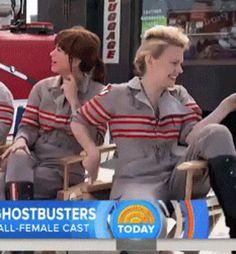 Kate and Kristen being totally cuties on set | Holtzbert | Jillian Holtzmann | Erin Gilbert | Kate McKinnon | Kristen Wiig | Ghostbusters