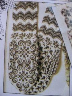 Традиции вязания, или История знаменитых узорных варежек... Crochet Mittens, Mittens Pattern, Knitted Gloves, Knit Crochet, Knitting Charts, Knitting Socks, Hand Knitting, Knitting Patterns, Norwegian Knitting