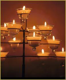 cadelabro para 15 años Tea Lights, Candle Holders, Concept, Ceiling Lights, Candles, Studio, Home Decor, Handmade Home Decor, Decorations