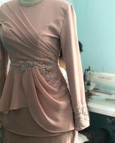 Source by dresses muslim Modern Hijab Fashion, Batik Fashion, Abaya Fashion, Muslim Fashion, Fashion Dresses, Hijab Evening Dress, Hijab Dress Party, Hijab Style Dress, Dress Outfits