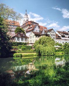 Oh, du schönes Tübingen! 🏡Hat jemand ein paar besondere Tipps für die Universitätsstadt?   #tübingen #universitätsstadt #deutschlandliebe… Germany Europe, Timber Frame Homes, Told You So, Renting, Mansions, Country, House Styles, Traveling, Guy