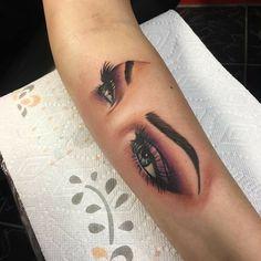 Tiny Tattoos For Women, Cool Small Tattoos, Cute Tattoos, Beautiful Tattoos, Makeup Artist Tattoo, Makeup Tattoos, Finger Tattoos, Body Art Tattoos, Hand Tattoos