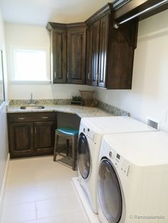 Would want the counter to continue over the washer/dryer for a folding counter. Love the corner 'desk' idea for a sewing machine or craft area too.