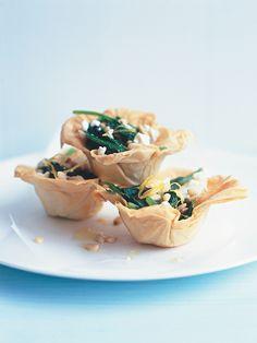 mini spinach pies