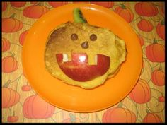 Halloween - Foods: Pumpkin Pancakes would make a great Halloween Breakfast or even a dinner! Halloween Activities For Kids, Halloween Foods, Halloween Breakfast, Pumpkin Pancakes, Dinner, Recipes, Crafts, Dining, Manualidades