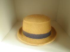 キッズサイズのニットハット帽です。肌触りの良いコットンで編んだ春夏用になります。柔らかいので折りたたんでバックにしまうことも出来ます。*モデルサイズは51・5...|ハンドメイド、手作り、手仕事品の通販・販売・購入ならCreema。
