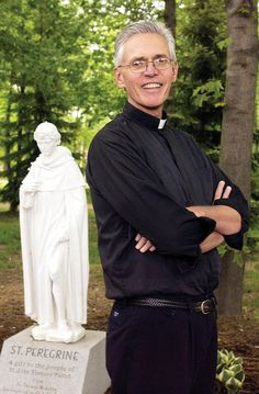 Rev. Thomas Johns, priest to thousands, helps influence many more