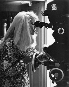 "Catherine Deneuve en el set de ""Repulsión"" de Roman Polanski (1965)"