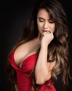 Zusanna Monte ❤ (gorgeous model) in sensual red dress, delicious boobs.