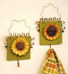 Sunflower Decor   Primitive Metal Sunflower On Wooden Plaque With Rustic  Hanger