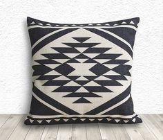 Coussins/couverture couverture d'oreiller aztèque par 5CHomeDecor, $14.99