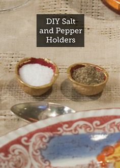 Reuse your walnut shells by creating these creative DIY Walnut Salt and Pepper Holders. These are super easy and will look awesome on your table! Salt And Pepper Holder, Salt And Pepper Cellars, Kitchen Hacks, Diy Kitchen, Arts And Crafts, Diy Crafts, Walnut Shell, Craft Activities, Reuse