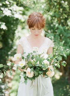 Photography : DArcy Benincosa Read More on SMP: http://www.stylemepretty.com/destination-weddings/2016/09/27/whimsical-summer-wedding-in-the-english-countryside/