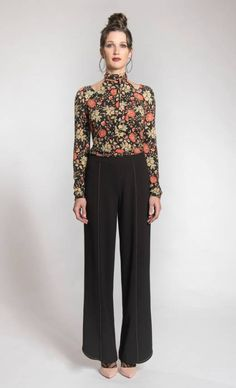 MYCO ANNA CHANDAIL PICASSO FLEUR ROUGE MYCO ANNA Myco Anna, Oeuvre D'art, Oeuvres, Picasso, Autumn Fashion, Fall Winter, Jumpsuit, My Style, Collection