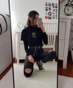 14 Basics Of Grunge Style And Modern Interpretation - mara. sophie - 14 Basics Of Grunge Style And Modern Interpretation Style Outfits, Hipster Outfits, Mode Outfits, Retro Outfits, Cute Casual Outfits, Girl Outfits, Outfits With T Shirts, Cute Grunge Outfits, Hipster Skirt
