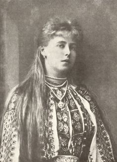 Queen Marie of Romania--looks like her paternal grandmother Victoria here! Romanian Royal Family, Greek Royal Family, Victoria Kids, Queen Victoria, Queen Mary, King Queen, Victoria's Children, Blue Bloods, Royal Weddings