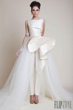 Azzi & Osta - Alta-Costura - Primavera-Verão 2014 - http://pt.flip-zone.com/fashion/couture-1/independant-designers/azzi-osta-4529