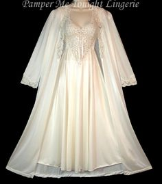 Plus Size Bridal Nightgown Sets | ... RARE OLGA Lingerie LACE BRIDAL Negligee Gown Nightgown Peignoir Set M