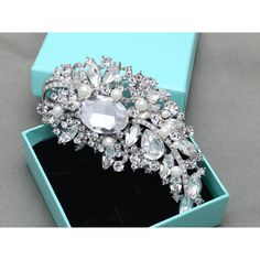 Pearl Hair Comb (55 AUD) ❤ liked on Polyvore featuring accessories, hair accessories, decorative combs, grey, weddings, bridal comb, bride hair accessories, bridal hair comb, bridal flower hair accessories and swarovski crystal hair accessories