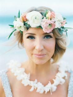 Elegant bridal makeup: http://www.stylemepretty.com/2016/07/25/dream-hawaiian-beach-elopement/ Photography: Wendy Laurel - http://www.wendylaurel.com/